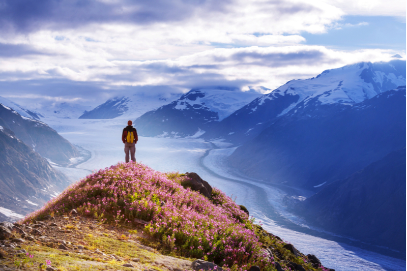 You Can Get Paid to Live in Alaska, Here Are 4 Other Benefits
